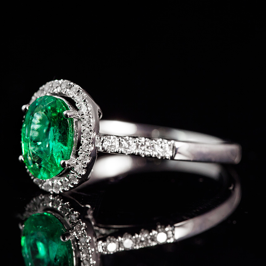18K白祖母绿戒指0.84ct