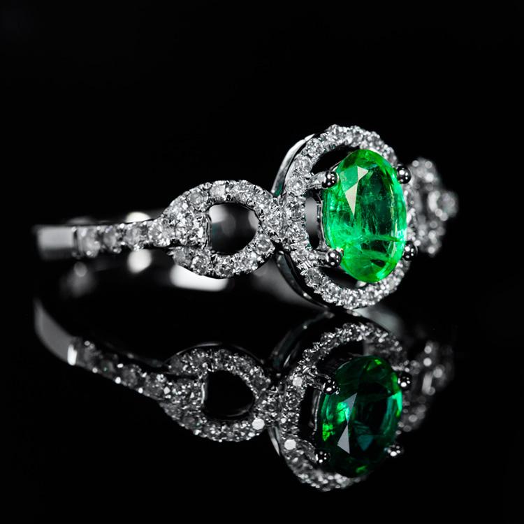 18K白祖母绿戒指0.38ct